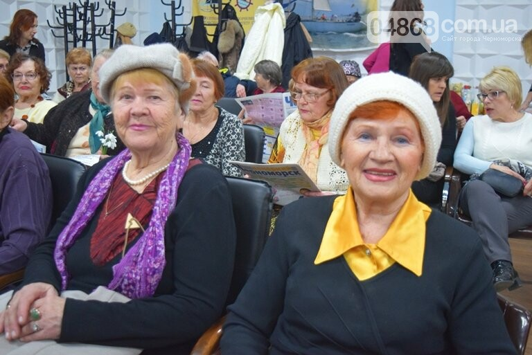 В «Дамском салоне» Оксаны Загорулько жителей Черноморска встретили весна, цветы и роскошь общения, фото-11