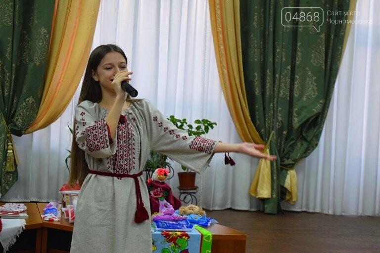 В «Дамском салоне» Оксаны Загорулько жителей Черноморска встретили весна, цветы и роскошь общения, фото-10