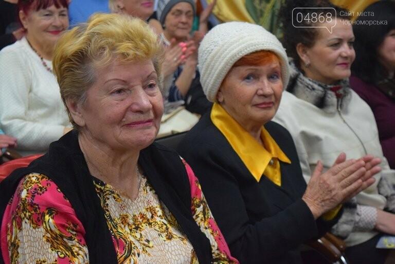 В «Дамском салоне» Оксаны Загорулько жителей Черноморска встретили весна, цветы и роскошь общения, фото-8