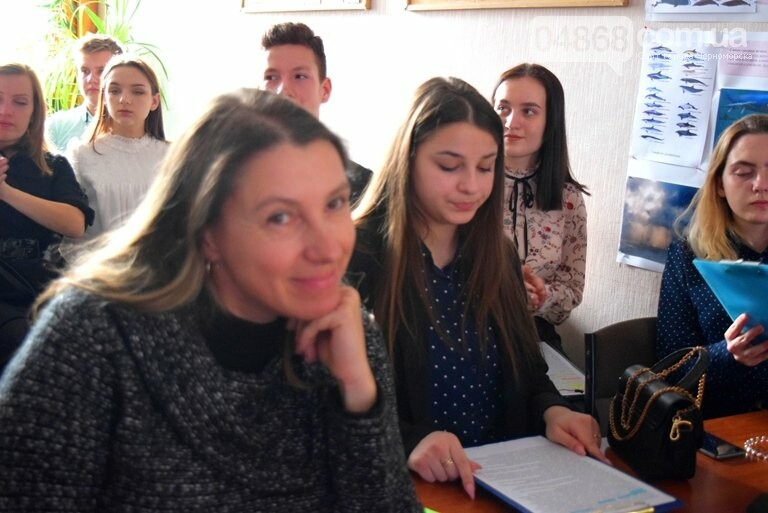 Старшеклассники Черноморска обсуждали актуальные экологические проблемы (видео), фото-18