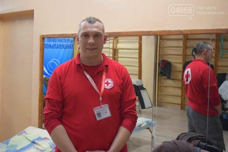 Спасая чью-то жизнь: жители Черноморска сегодня сдавали кровь (видео), фото-5