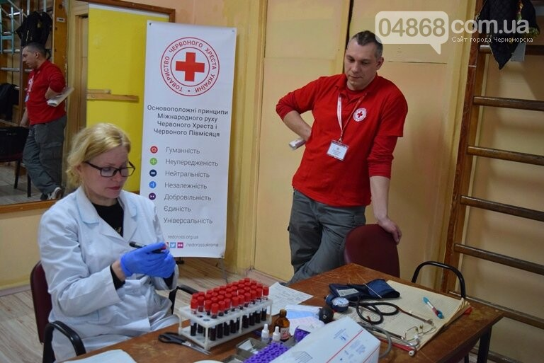 Спасая чью-то жизнь: жители Черноморска сегодня сдавали кровь (видео), фото-2