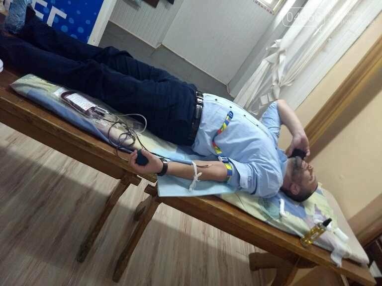 Спасая чью-то жизнь: жители Черноморска сегодня сдавали кровь (видео), фото-13