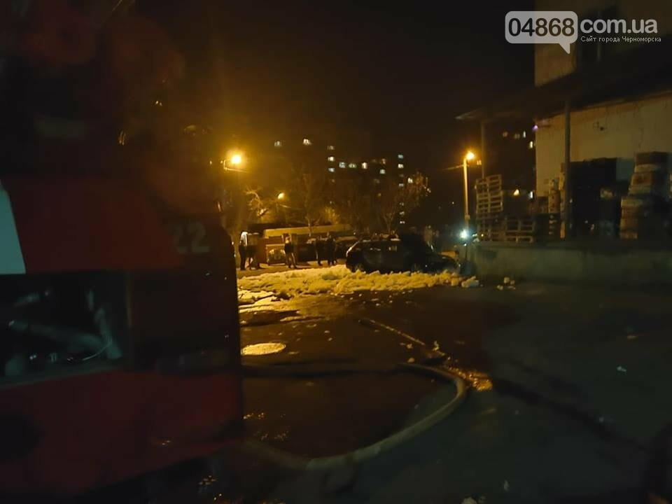 В пасхальную ночь в Черноморске горело три автомобиля, фото-7