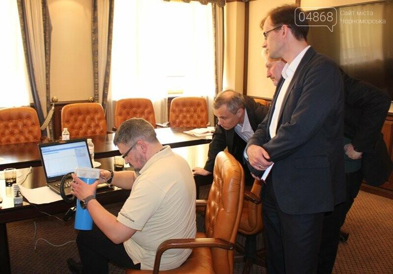 В Черноморске заработает инновационная система мониторинга загрязнения акватории порта, фото-3