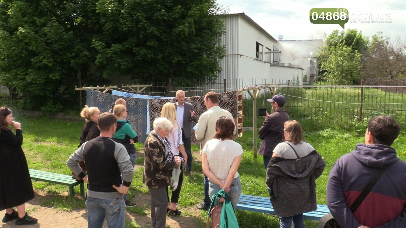 Шум и вонь - ежедневная проблема жителей домов на улице Радостная в Черноморске, фото-3