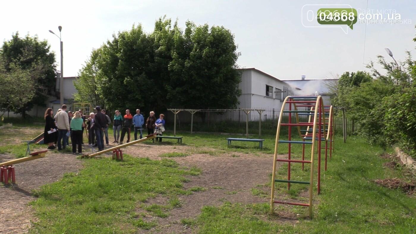 Шум и вонь - ежедневная проблема жителей домов на улице Радостная в Черноморске, фото-4