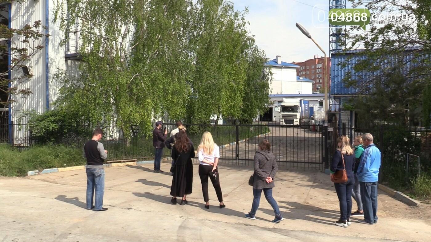 Шум и вонь - ежедневная проблема жителей домов на улице Радостная в Черноморске, фото-6