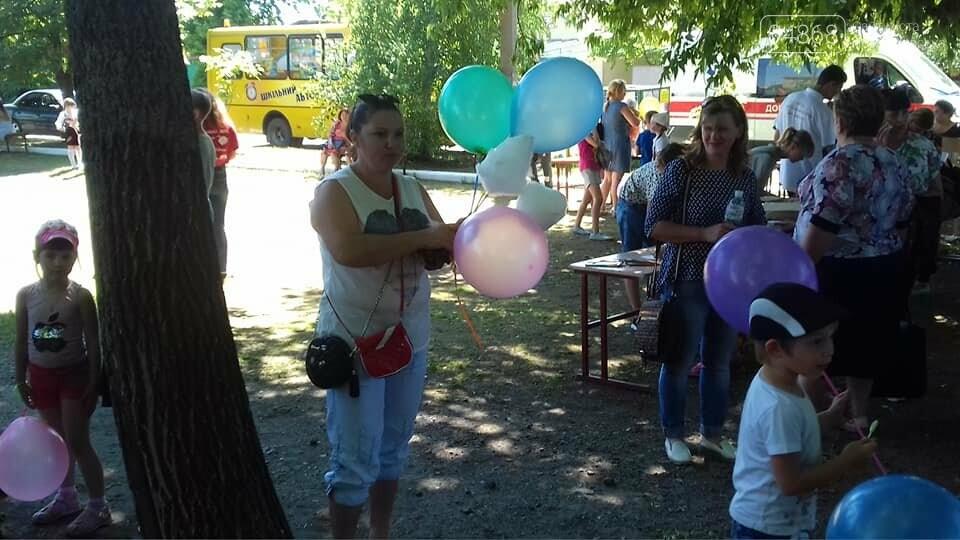 Представители БПП «Солидарность» из Черноморска передали помощь детям в Луганскую область, фото-15