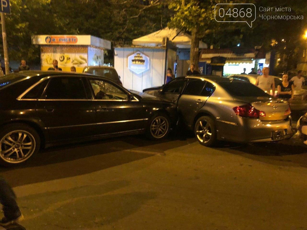 Audi протаранил три машины: ночное ДТП в Черноморске, фото-5