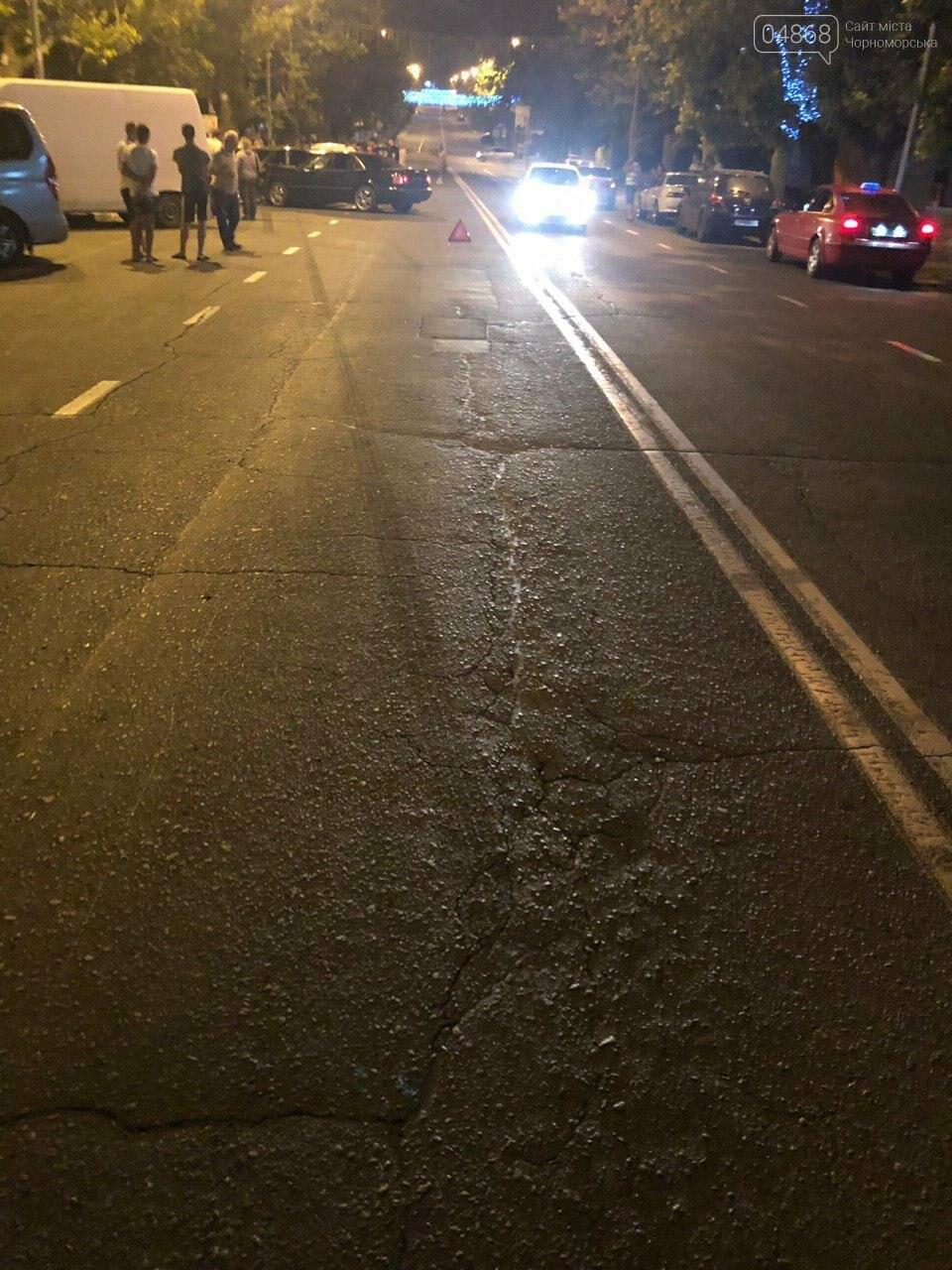 Audi протаранил три машины: ночное ДТП в Черноморске, фото-11