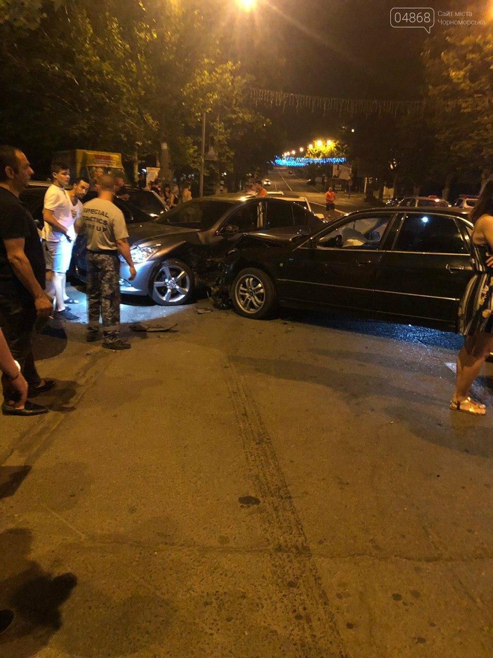 Audi протаранил три машины: ночное ДТП в Черноморске, фото-10
