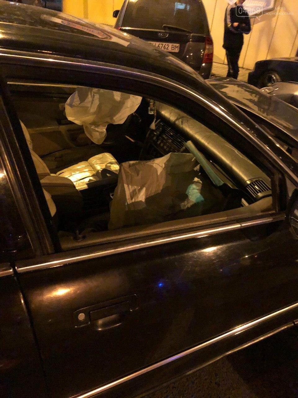 Audi протаранил три машины: ночное ДТП в Черноморске, фото-8