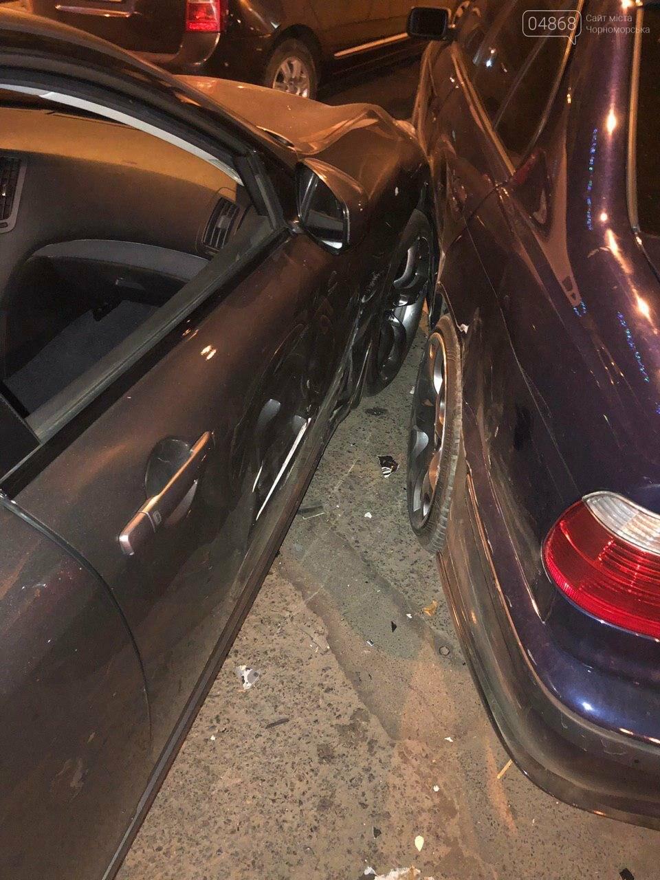Audi протаранил три машины: ночное ДТП в Черноморске, фото-15