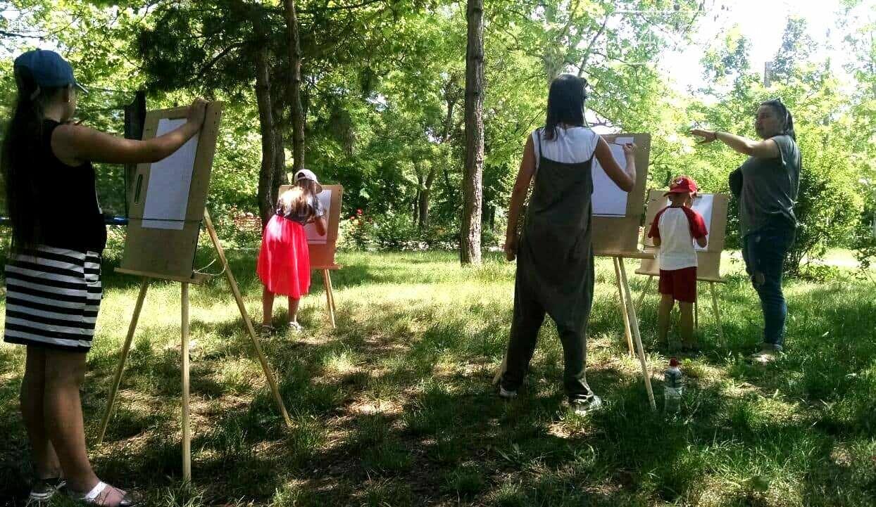Научные шоу и квест-уроки выживания гостя из Великобритании: в Черноморске стартовал лагерь детского развития Страна Чудес, фото-11