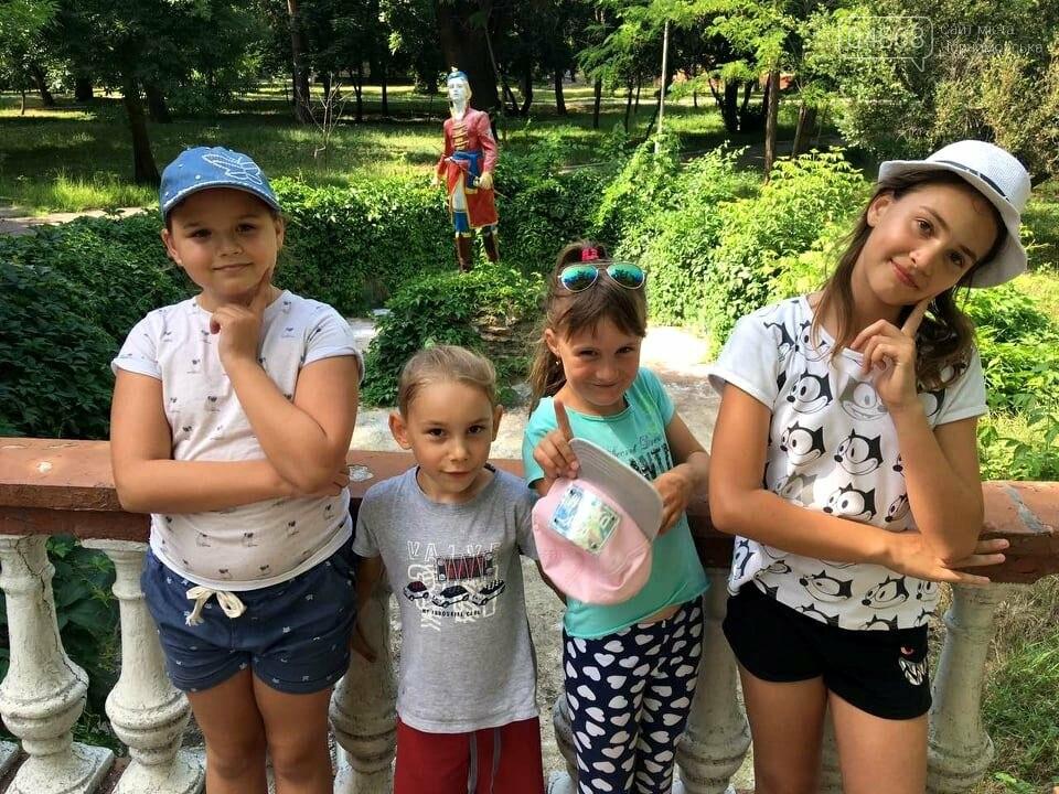 Научные шоу и квест-уроки выживания гостя из Великобритании: в Черноморске стартовал лагерь детского развития Страна Чудес, фото-14