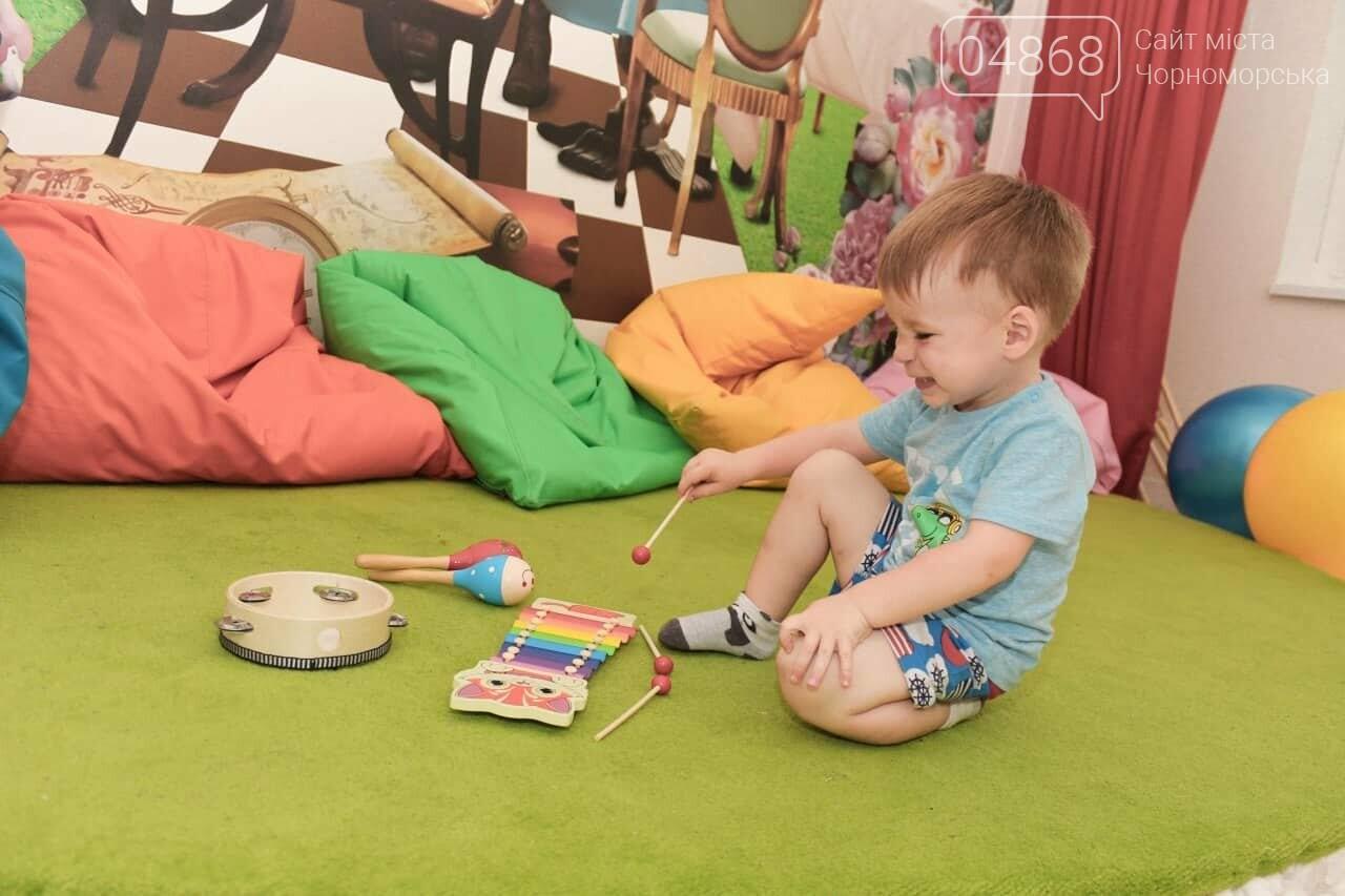 Научные шоу и квест-уроки выживания гостя из Великобритании: в Черноморске стартовал лагерь детского развития Страна Чудес, фото-3