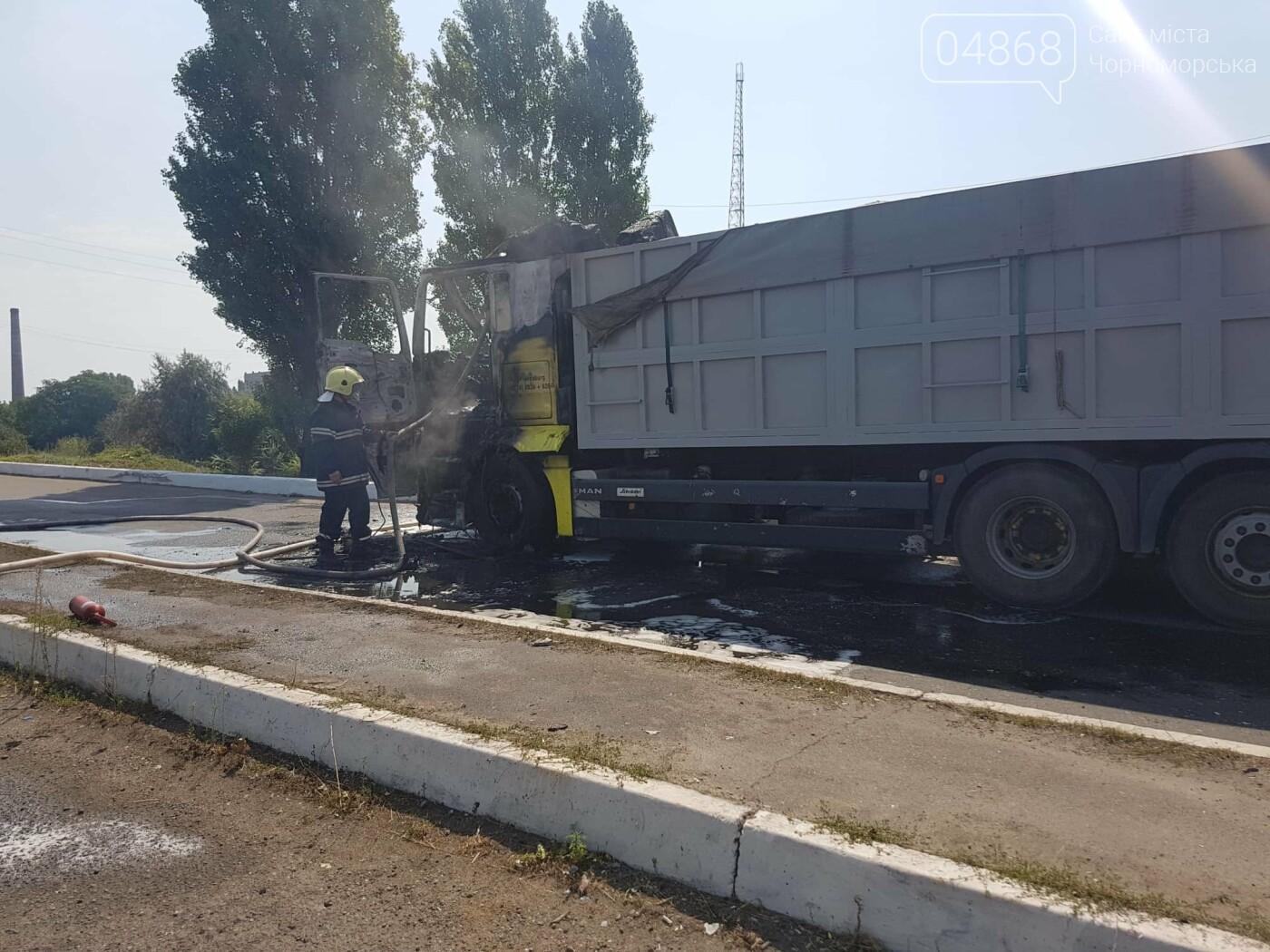 В Черноморске горела фура (+видео), фото-3