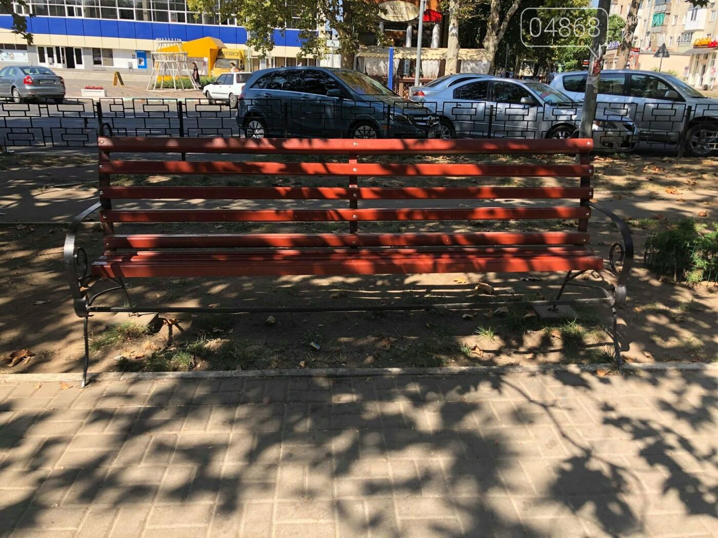 Вандализм в Черноморске не утихает, фото-3