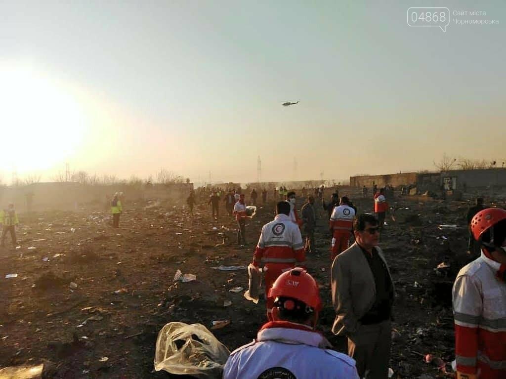 Самолёт украинских авиалиний потерпел крушение в Тегеране, фото-3