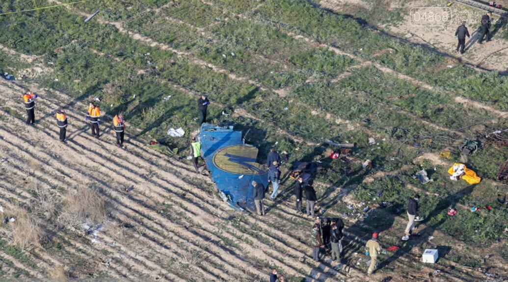 Самолёт украинских авиалиний потерпел крушение в Тегеране, фото-4