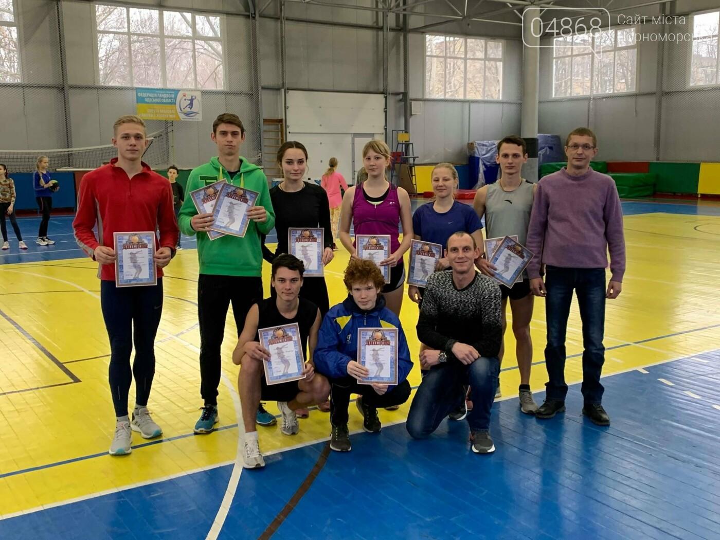 К победе: черноморские легкоатлеты завоевали путёвку на чемпионат Украины, фото-1