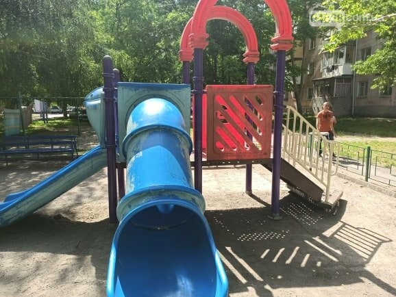 Детские площадки в Черноморске могут быть небезопасны (+фото), фото-3