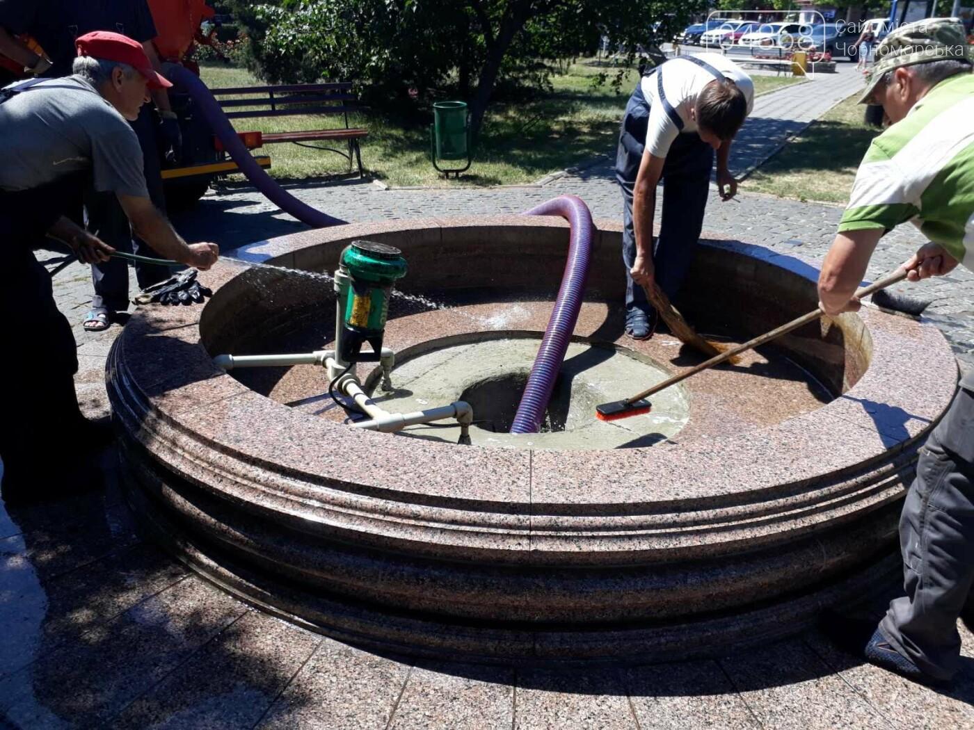 Солнце, лето, жара: Черноморские фонтаны подготовили к летнему сезону, фото-4
