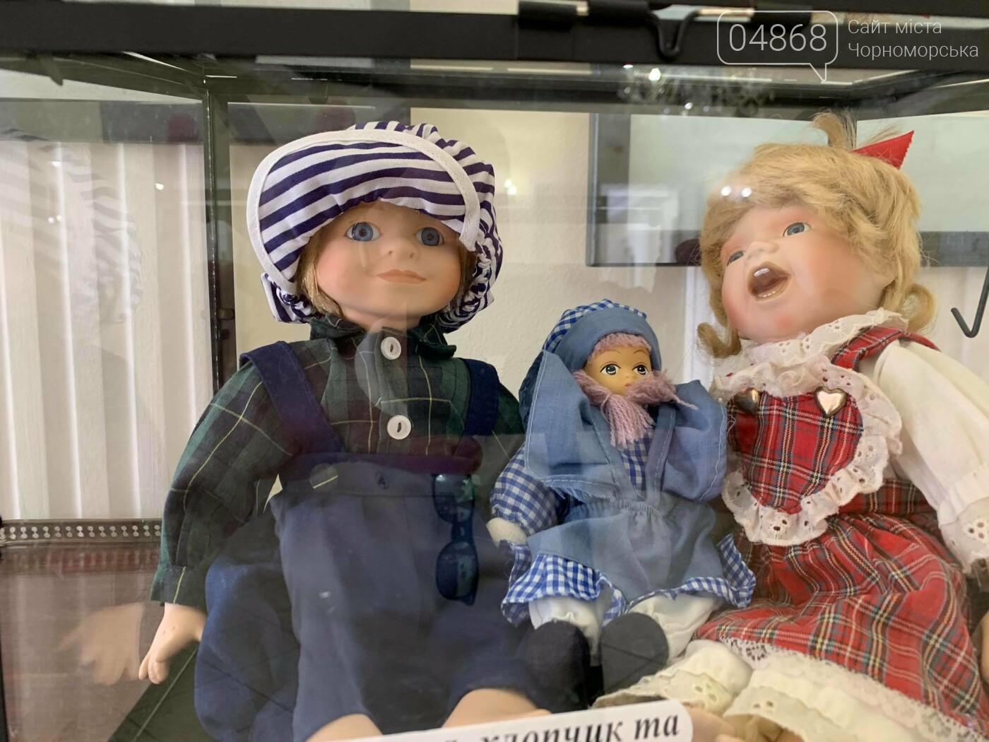 Как будто живые: в Черноморске проходит выставка фарфоровых кукол (видео), фото-4