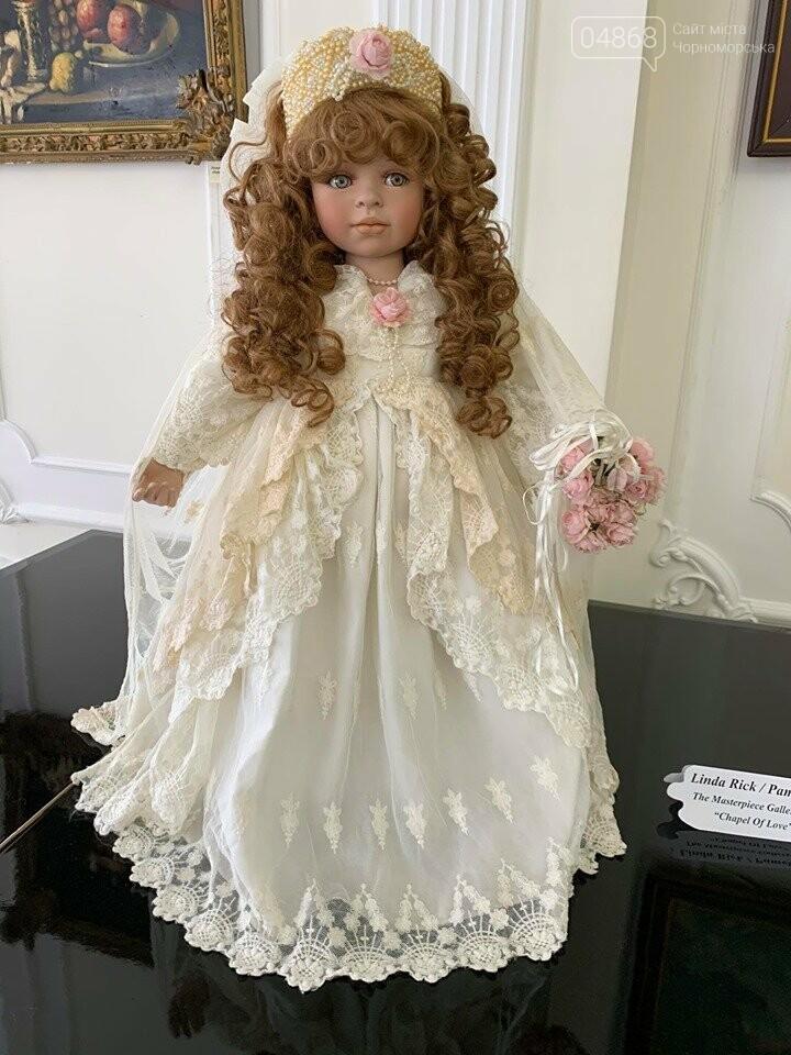 Как будто живые: в Черноморске проходит выставка фарфоровых кукол (видео), фото-6