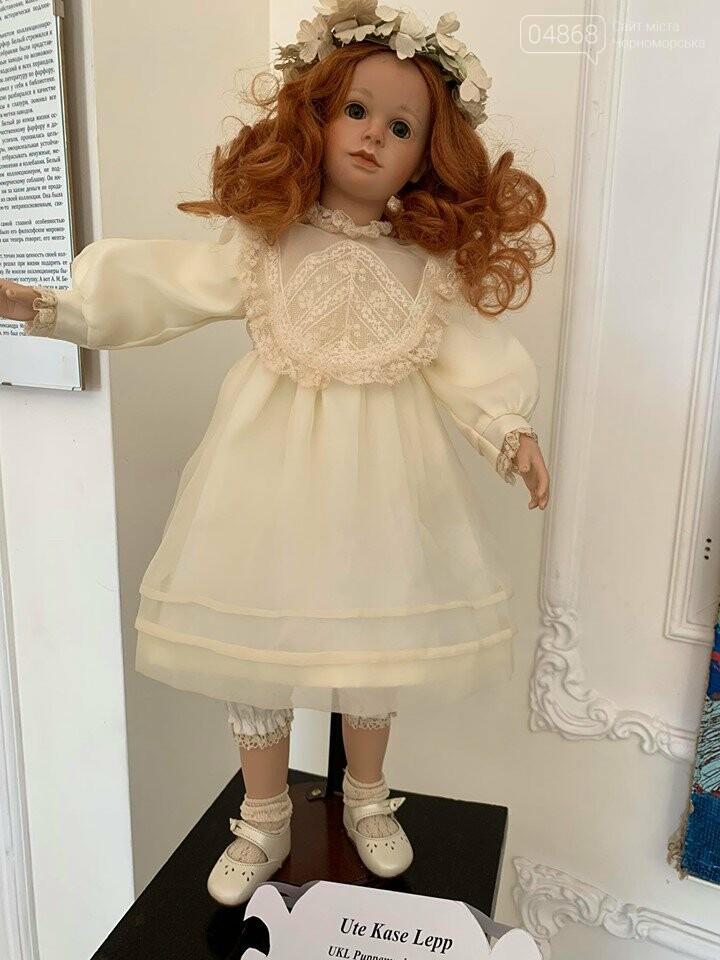 Как будто живые: в Черноморске проходит выставка фарфоровых кукол (видео), фото-7