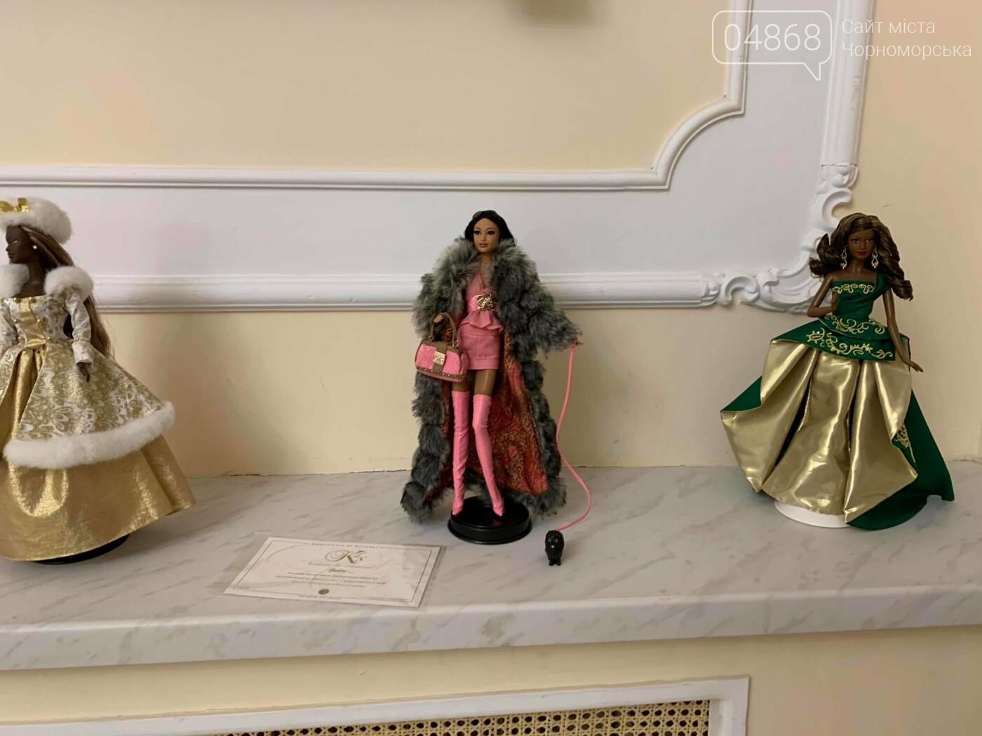 Как будто живые: в Черноморске проходит выставка фарфоровых кукол (видео), фото-33
