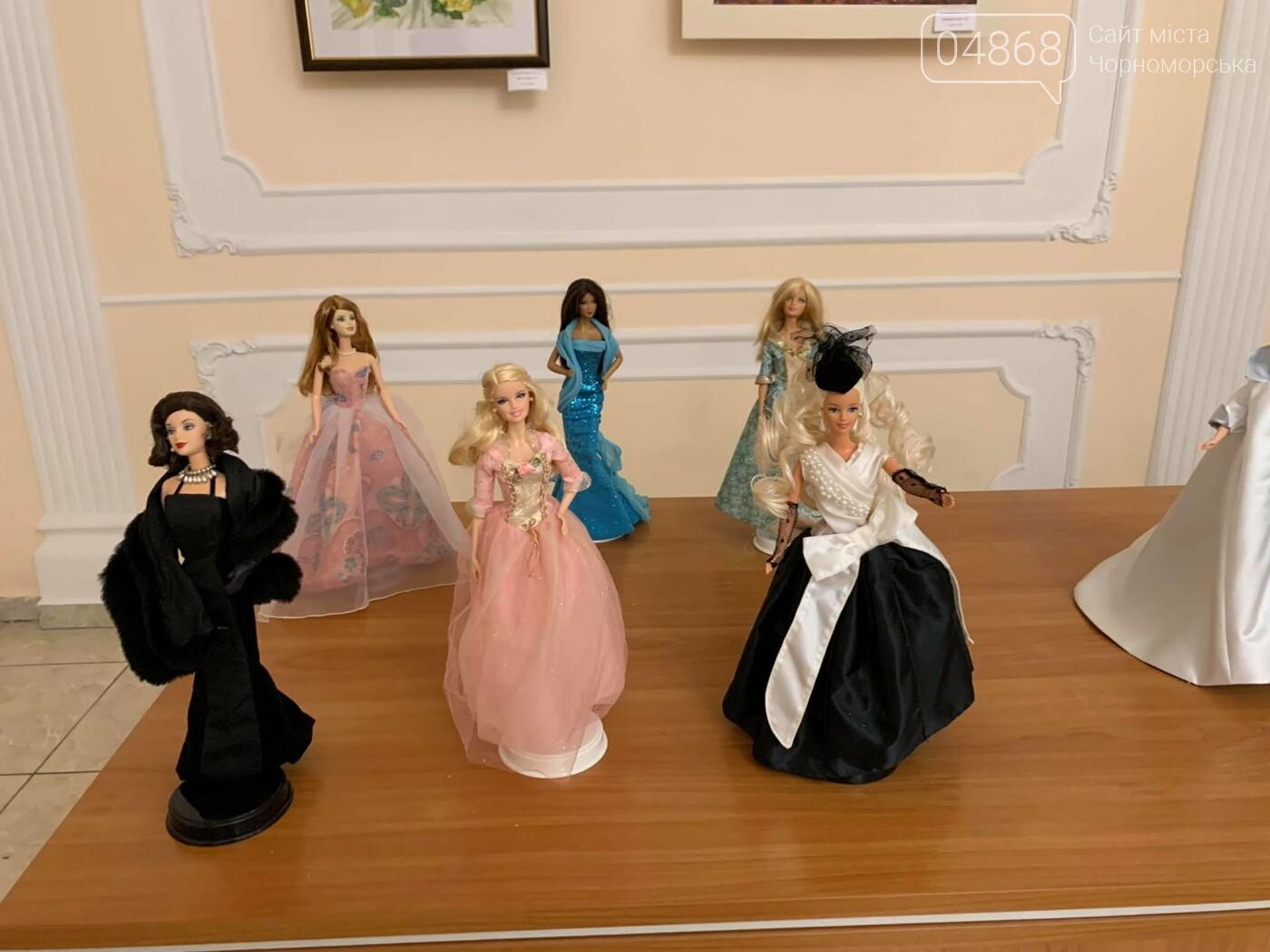 Как будто живые: в Черноморске проходит выставка фарфоровых кукол (видео), фото-37