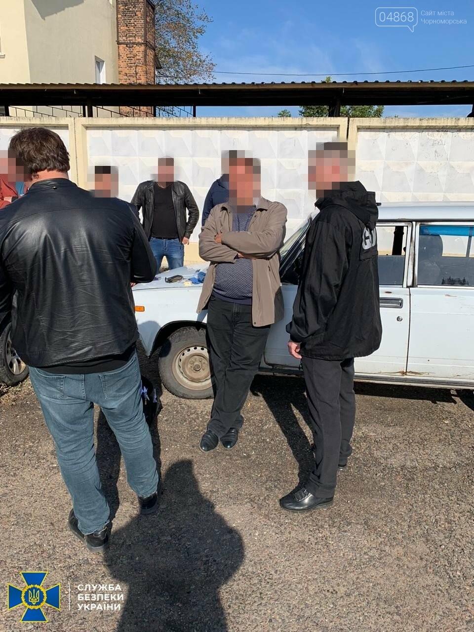 В Одесской области СБУ разоблачила чиновника мэрии Подольска на подкупе членов избиркома, фото-1