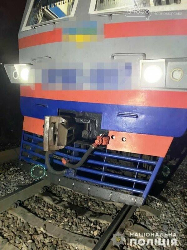 Не реагировал на сигнал: в Одесской области мужчину сбил поезд, фото-1