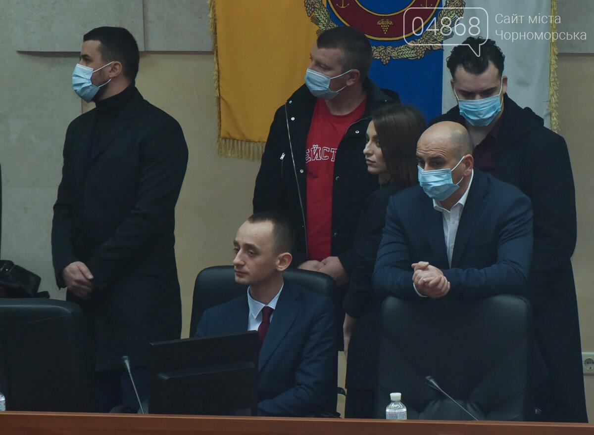 Скандал на сессии облсовета: депутаты заблокировали трибуну (видео) , фото-3