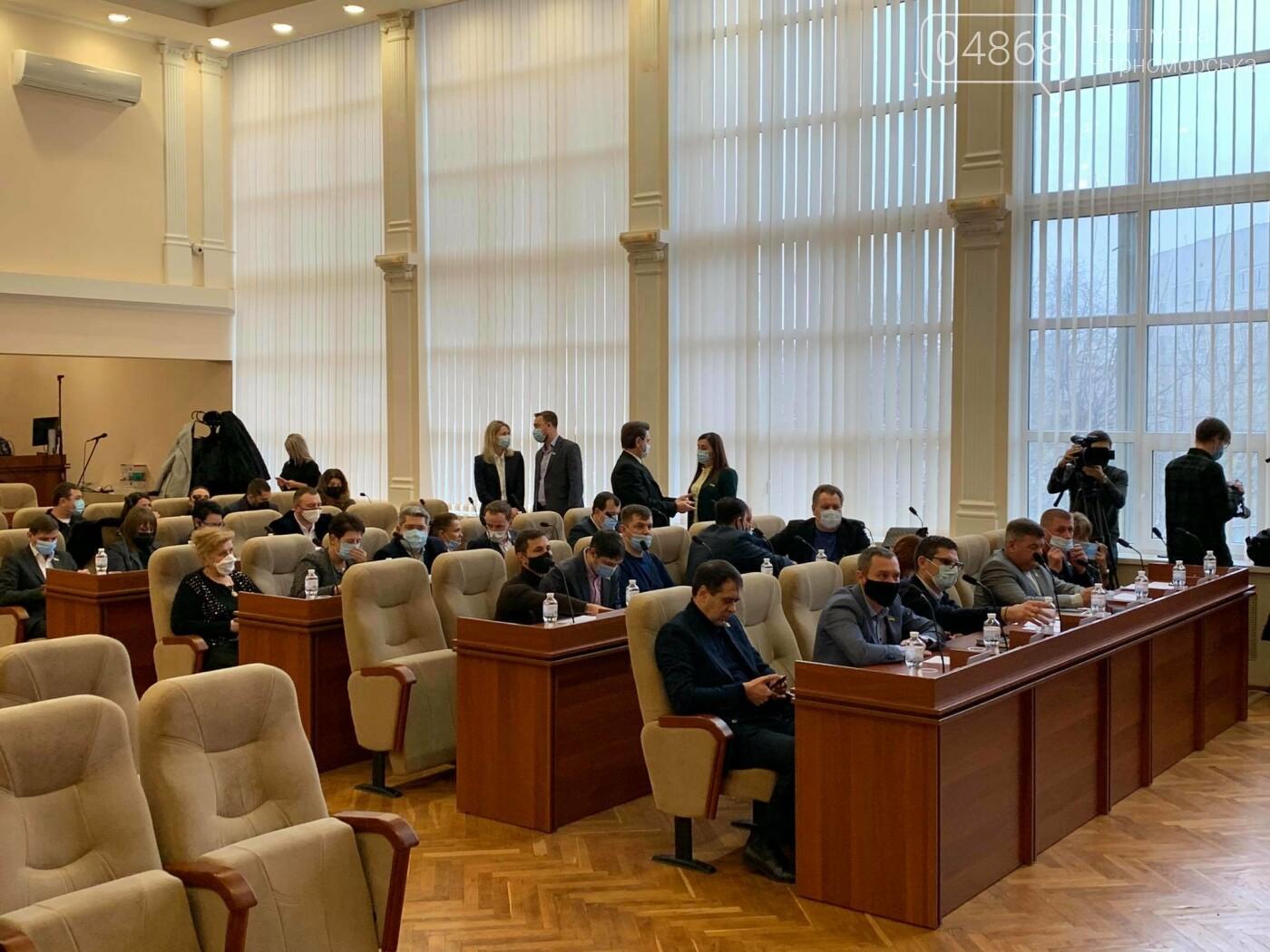 Надбавки медикам и безопасный город: в Черноморске прошла 3-я сессия VIII созыва (видео), фото-3