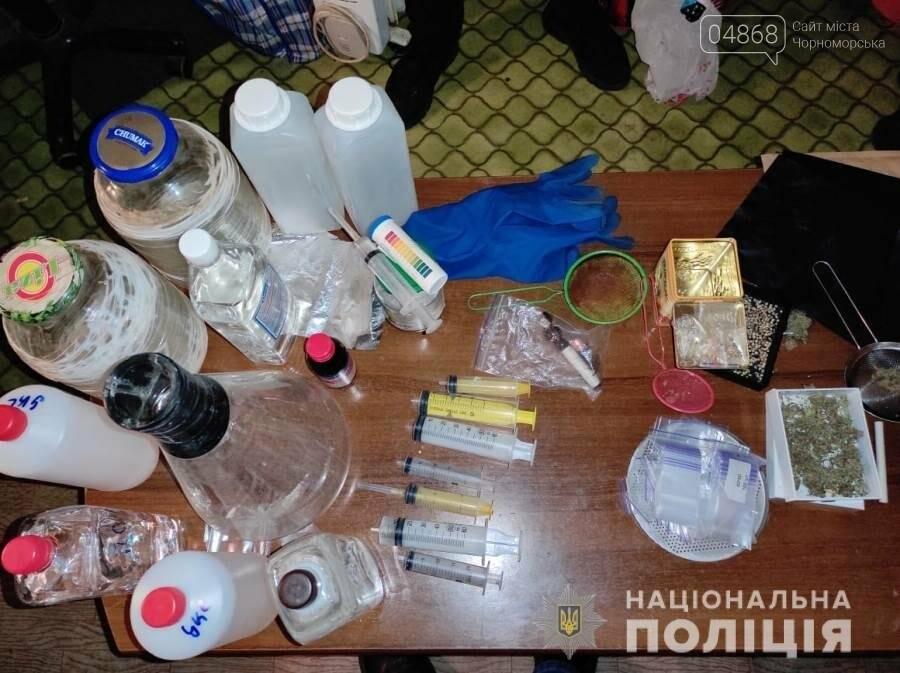 Супругов из Черноморска задержали в Одессе по обвинению в наркоторговле (видео), фото-3
