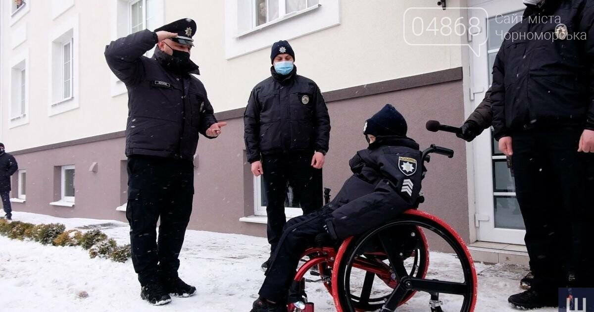В Черновцах 10-летнего мальчика «приняли» в ряды полиции, фото-2