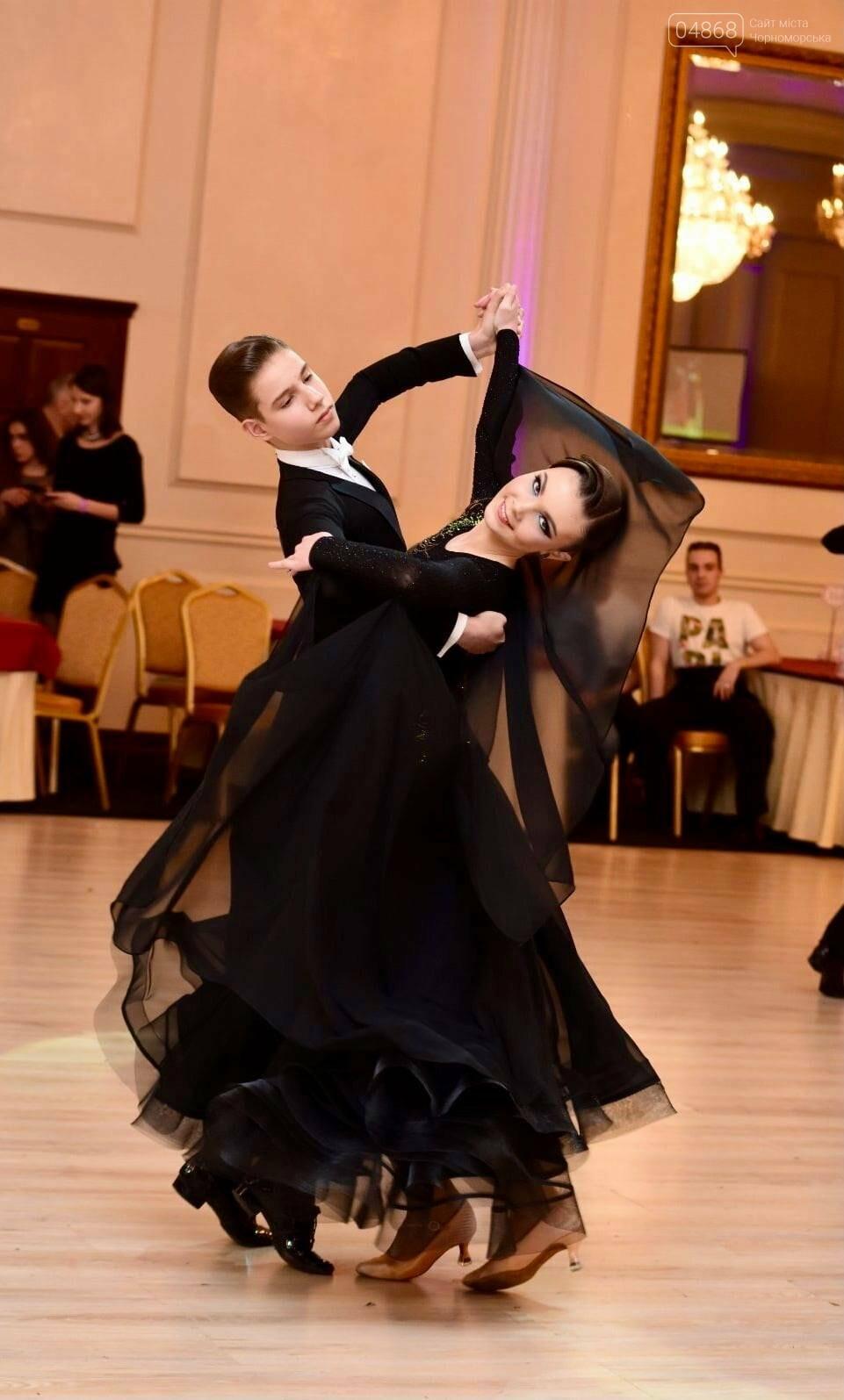 Танцоры из Черноморска заняли призовые места на турнире по бальным танцам, фото-1