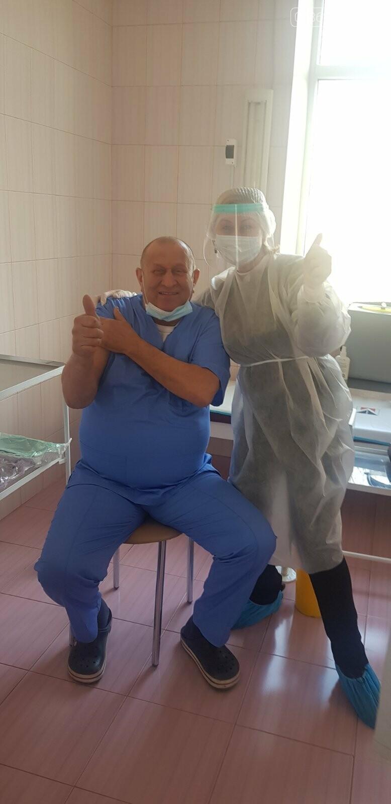 В Черноморске вакцинировались 30 человек, фото-3