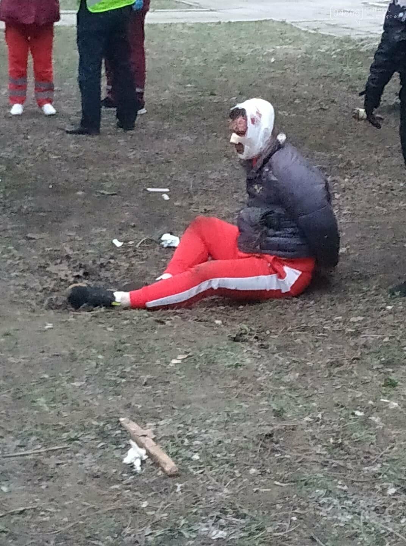 В Черноморске злоумышленник нанес несколько ножевых ранений продавцу овощной лавки, фото-2