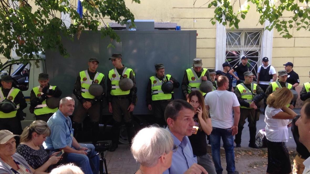 «Дело 2 мая»: суд Черноморска оцеплен Нацгвардией — обвиняемым будут зачитывать приговор (фото), фото-3