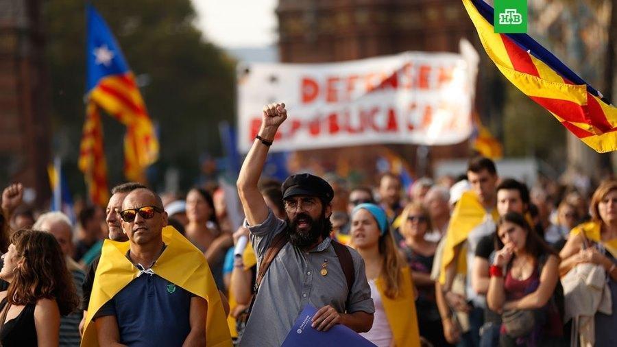 Испанский суд выдал ордер на арест Пучдемона, фото-1