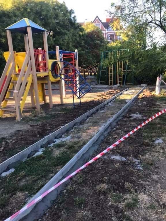 Детские площадки Черноморска станут лучше и безопаснее, фото-1