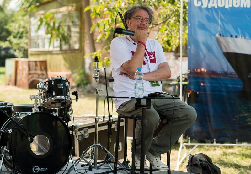 «С широко закрытыми глазами»: на сцене Jazz&Blues Cafe в Черноморске Алексей Коган открывал миры прекрасной музыки, фото-4