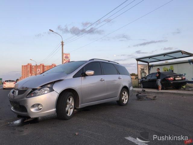 На «пятиминутке» в Черноморске очередное ДТП: «Toyota» врезалась в остановку, фото-5