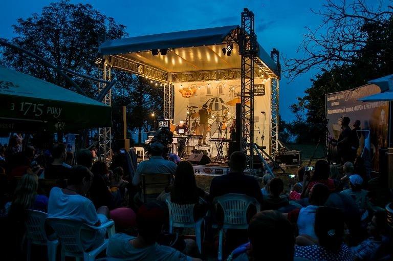Гитара, пыльный ветер, фламенко и блюз: Jazz & Blues Café на «Коктебель джазе» в Черноморске, фото-1