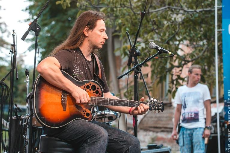 Гитара, пыльный ветер, фламенко и блюз: Jazz & Blues Café на «Коктебель джазе» в Черноморске, фото-3