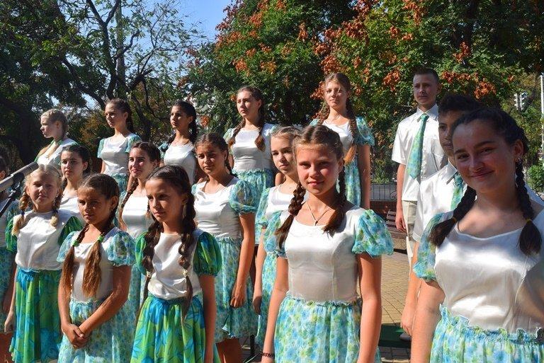 Сегодня в Черноморске открыли памятник Льву Нагаеву, фото-11